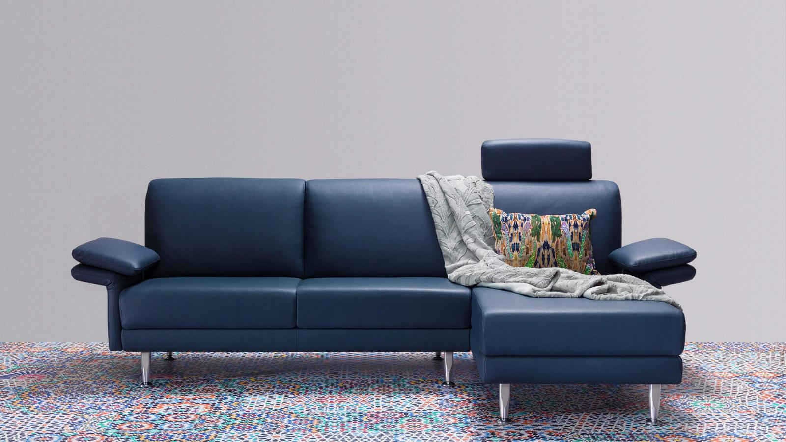 horst collection schweiz switzerland suisse melide sofa canape design moebel furniture meubles blau blue bleu leder leather